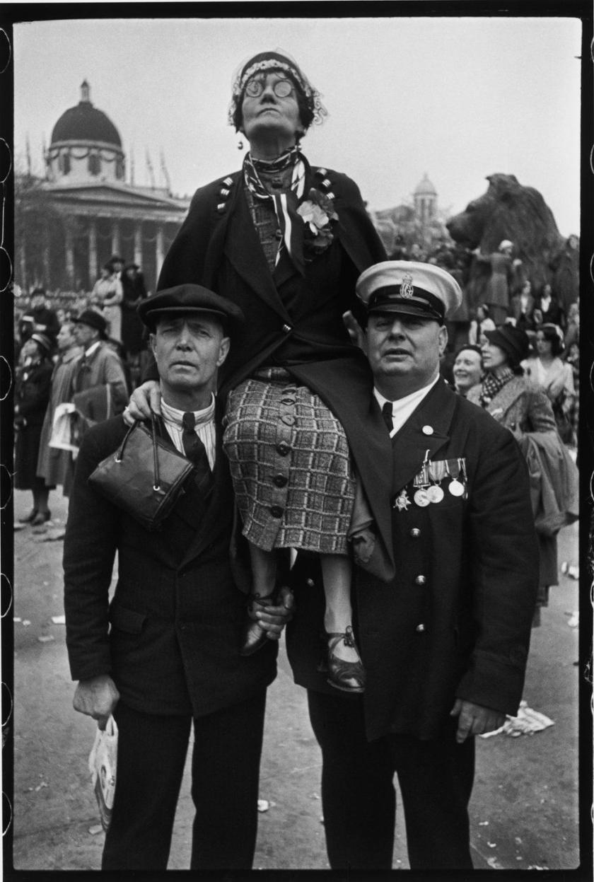 Henri Cartier-Bresson - Coronation of King George VI, Trafalgar Square, London, 12 May 1937 © Henri Cartier-Bresson / Magnum Photos