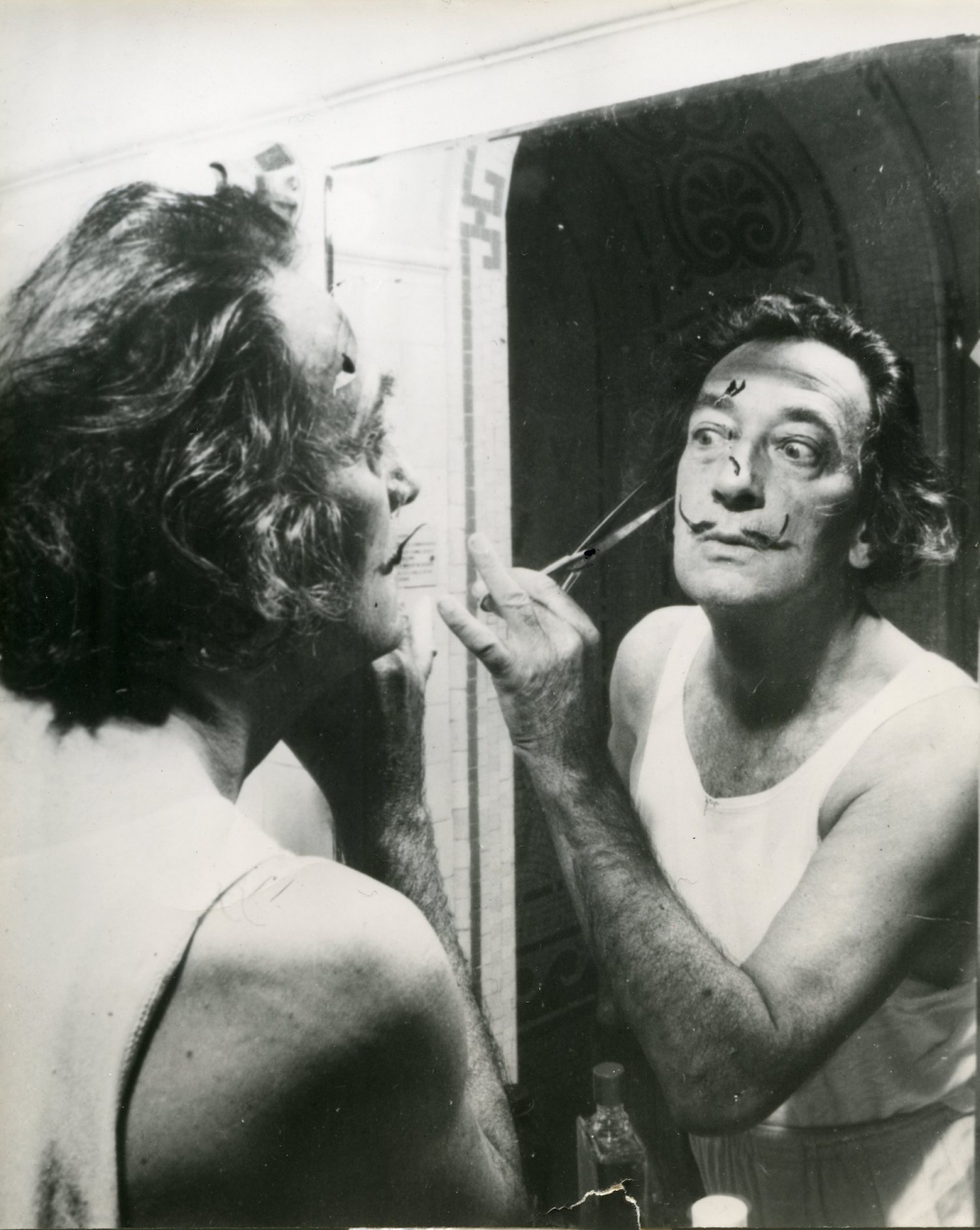 never before seen photographs of salvador dali and picasso unveiled