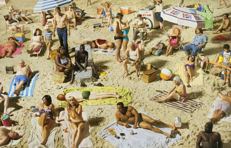 Crowd #3 (Pelican Beach), 2013 © Alex Prager Studio and Lehmann Maupin, New York and Hong Kong. Courtesy Alex Prager Studio, Lehmann Maupin, New York and Hong Kong.
