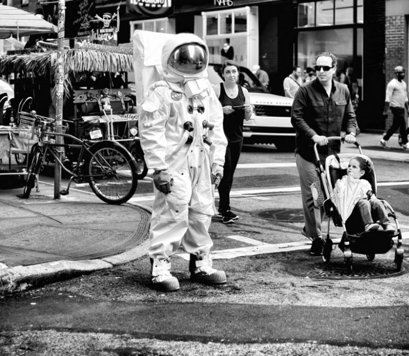 Photographs of New York City's bizarre everyday life in ...